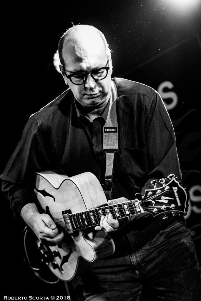 roberto guarino produttore arrangiatore chitarrista foto 001